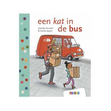 Boek Avi M3 Een Kat In De Bus
